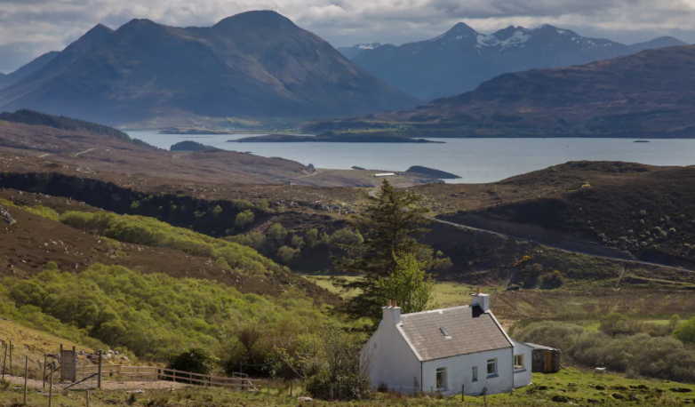 remote holiday cottage raasay